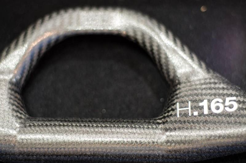 An dem Bügel können ebenso Tachos oder Navis montiert werden