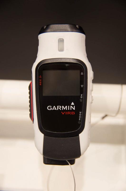Die Garmin VIRB Elite wird für eine UVP von 399€ erhältlich sein und kommt mit Wlan, GPS und ANT+ Modul daher; daneben gibt es die Standard VIRB für 299€