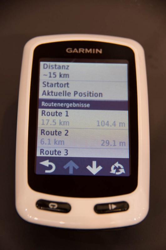 Eine neue Funktion sucht dem Fahrer 3 verschiedene Routen aus
