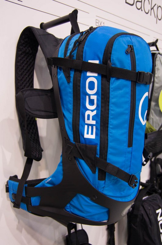 Ergon_11_Die Rucksackpalette wird bei Ergon nun durch den BC2 ergänzt; wahlweise in blau...