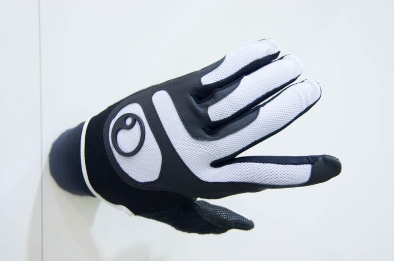 Ergon_13_Überarbeitet wurde der HX2 Handschuh von Ergon