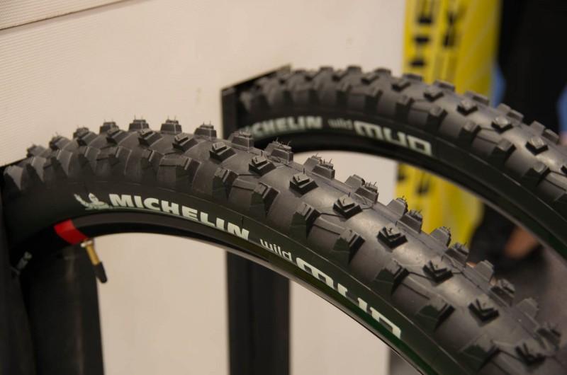 Michelin zeigt den WildMUD mit neuer, sehr weicher Gummimischung und abschneidbaren Stollen