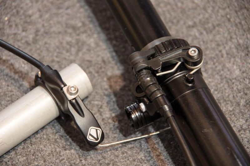 Vecnum_01_Moveloc nennt sich diese neue Stütze von Vecnum und bietet bei 200mm Verstellweg drei Positionen
